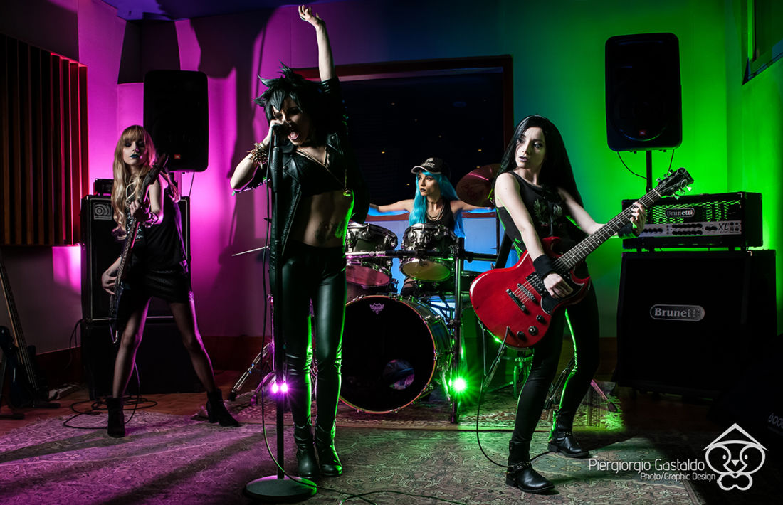 Shooting: One Girl Rock Band – All the band